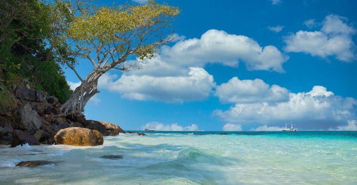 Smuk strand i Thailand
