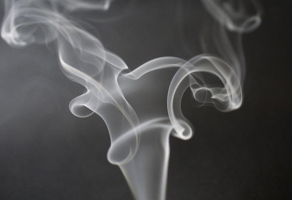 Røg fra cigarette